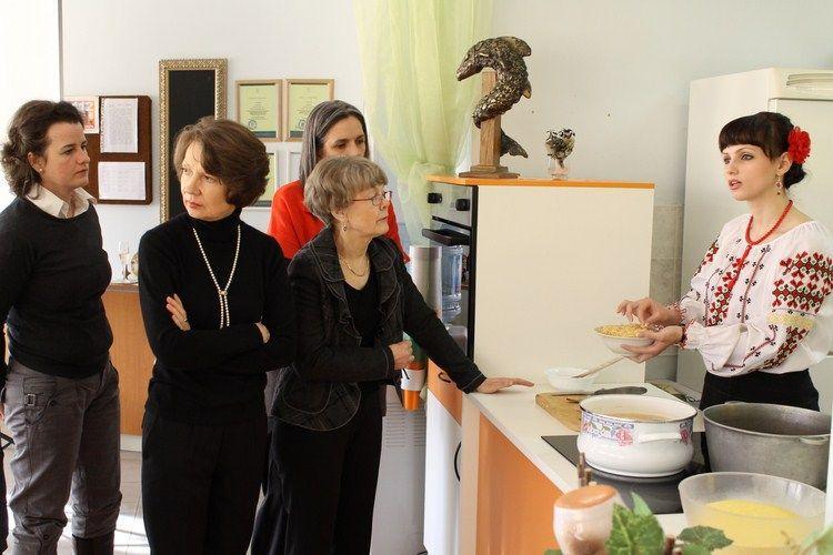 Evenimentul de prezentare a bucatariei noastre doamnelor sotii ale ambasadorilor
